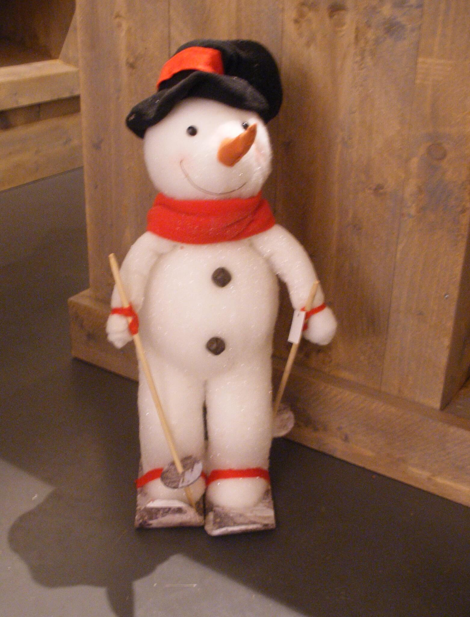 Fruitbedrijf Van den Berge: winkeltje 'De Fruithoek' sneeuwpop kerst