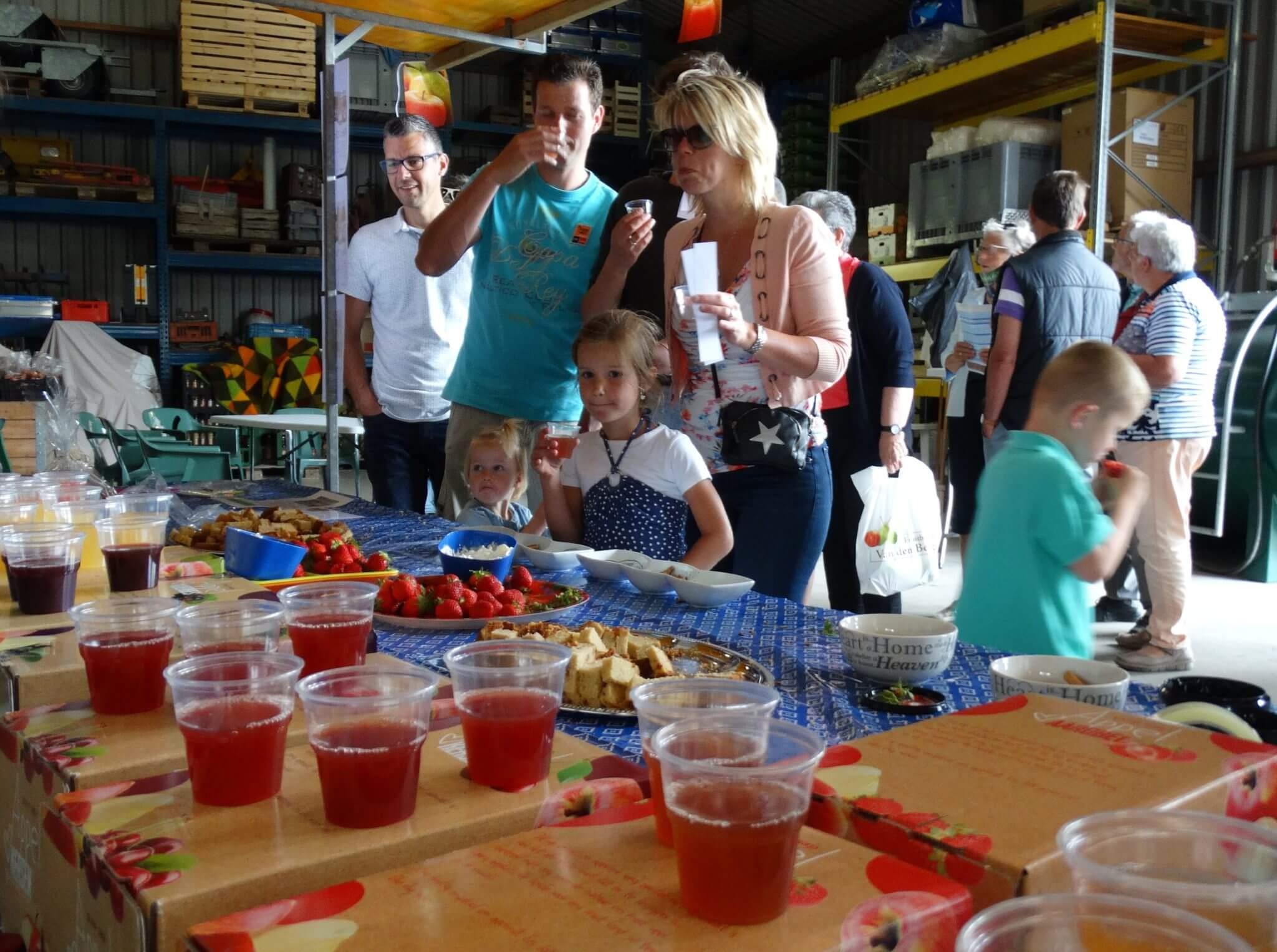Fruitbedrijf Van den Berge_Buurten bij de Boer_Sapproeverij2