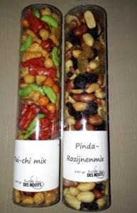 Fruitbedrijf-Van-den-Berge_kokers_nootjes