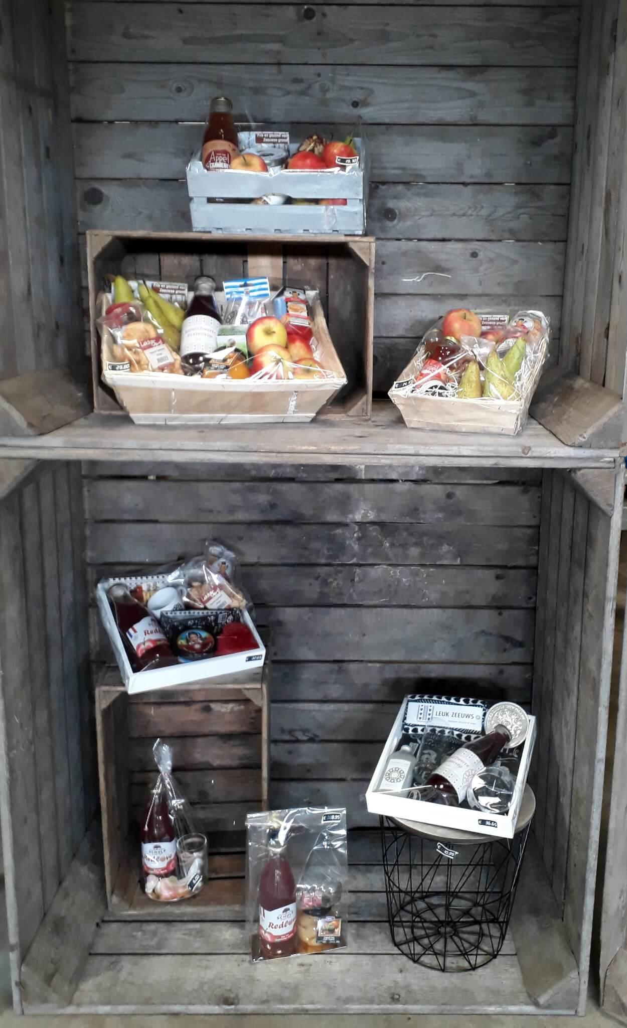 Fruitbedrijf Van den Berge cadeaupakketten in kist