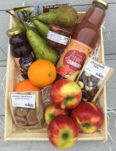 Fruitbedrijf Van den Berge: Fruitmand met lekkers