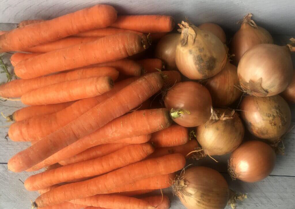 Fruitbedrijf Van den Berge Thoolse wortels-uien
